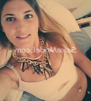 Clara-marie escorte massage sexemodel