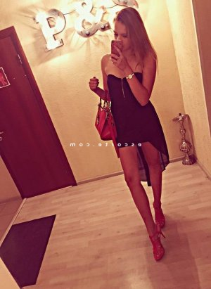 Trina massage escort à Paris 5